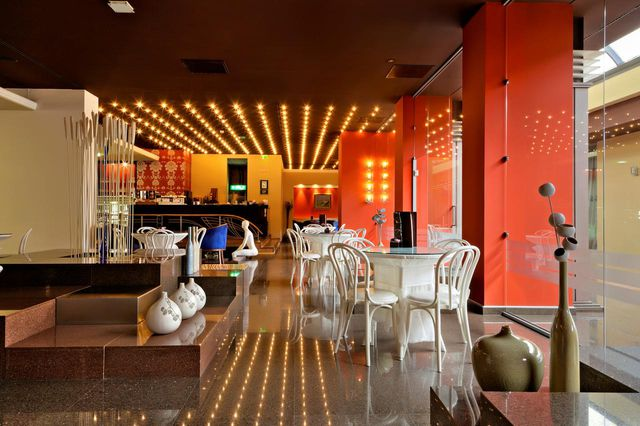 Grand Hotel Plovdiv Plovdiv Bivsh Novotel Adres I Mestopolozhenie
