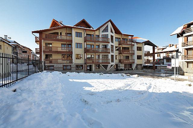 Апартаментен Хотел Ийгълс Нест