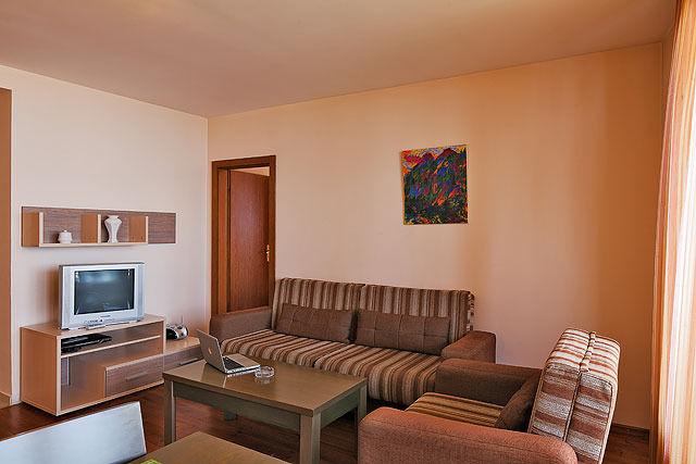 Апартаментен Хотел Ийгълс Нест - двуспален апартамент