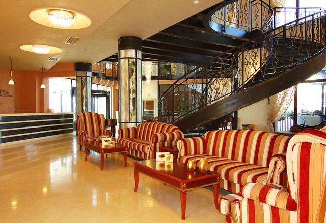 The Vineyards SPA Hotel - Хранене