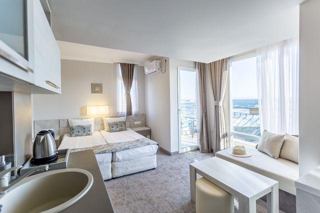 Хотел Селена Бийч - единична стая