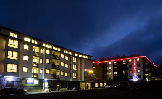 Апартаментен хотел Каса Карина